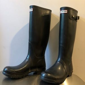Hunter boots. Black, size W8, used.